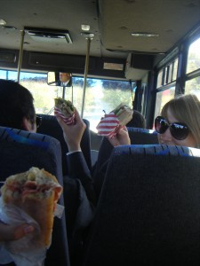 sandwiches_on_the_bus